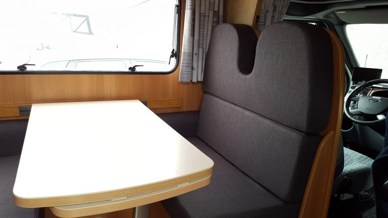 nye hynder og ompolstring af campingvogn