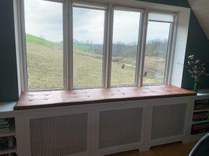 Læderhynde til vindue